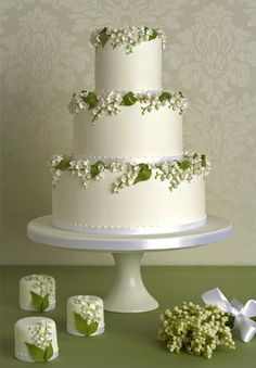 Peggy Porschen - Lily of the Valley cake.