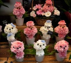 We spotted these poodle and kitten carnation creations outside a Tokyo florist shop. I'm not fond of carnations but feel free to surround m. Creative Flower Arrangements, Silk Flower Arrangements, Flower Centerpieces, Pretty Flowers, Silk Flowers, Candy Bouquet Diy, Happy Birthday Flower, Memorial Flowers, Valentines Flowers