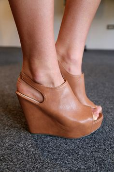 steve madden wedges. LOVE.