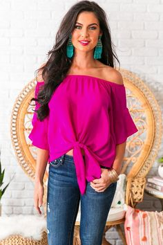 Dream Date Off Shoulder Shift Top in Fuchsia Every closet needs a chic go-to top for a last minute date, and the Hot Pink Shirt Outfit, Pink Top Outfit, Spring Summer Fashion, Spring Outfits, Off The Shoulder Top Outfit, Chic Outfits, Fashion Outfits, Girly Outfits, Trendy Outfits