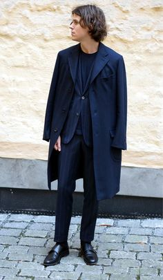 Our friend and blogger Herman Byström in a vicious tonal outfit. Su misura overcoat by Saman Amel. Check him out http://herman.metromode.se http://sartorialdoctrine.com