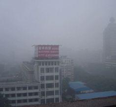 Smog emergency shuts down major city in China