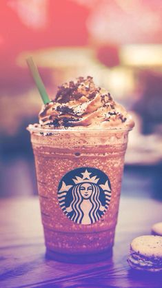 Find images and videos about food and starbucks on We Heart It - the app to get lost in what you love. Café Starbucks, Comida Do Starbucks, Bebidas Do Starbucks, Starbucks Secret Menu Drinks, Starbucks Recipes, Milk Shakes, Menu Secreto Starbucks, Fun Drinks, Yummy Drinks