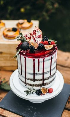 25 Drip Wedding Cakes for Some Mouthwatering Inspo | Weddings | Wedding Cakes | #weddings #cakes #weddingcakes #cakeideas | www.mandys.co.il