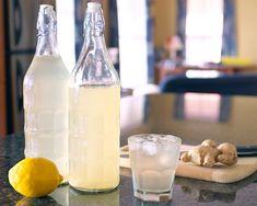 Vyrobte si zázvorové pivo, které vám přinese spoustu výhod pro vaše zdraví. Uklidňuje nevolnost, i během ranného těhotenství, jakékoliv podráždění žaludku, je prevencí proti rakovině, má protizánětlivé přínosy, posiluje svaly a klouby. Ingredience 2 citróny 500 g cukr krystal 5 l voda 30 g čerstvý zázvor podle potřeby sušené pivní kvasnice (nebo vinné šampaňské jsou … Glass Of Milk, Drinks, Food, Drinking, Beverages, Essen, Drink, Meals, Yemek