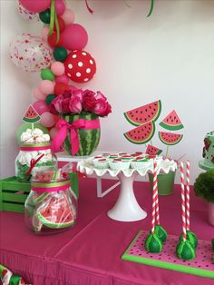 Watermelon cookies oreos and cake pops Source by evalyngutkowskia Watermelon Party Decorations, Watermelon Birthday Parties, 1st Birthday Party For Girls, Fruit Birthday, First Birthday Themes, Birthday Ideas, Watermelon Cookies, Baby Shower Watermelon, 1st Birthdays
