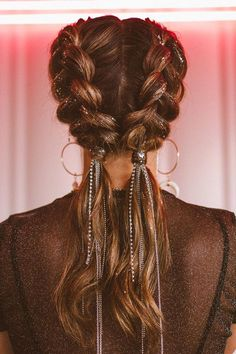 Coachella hair for 2019 braids with jewels by ANYA Braid Bar - Nora K. - DIRK Webler - Coachella hair for 2019 braids with jewels by ANYA Braid Bar - Nora K. Heiraten in den Bergen I Dekoideen für eure Berghochzeit - Nora K. Easy Party Hairstyles, Box Braids Hairstyles, Pretty Hairstyles, Festival Hairstyles, Hairstyle Ideas, Hairstyle For Long Hair, Teenage Hairstyles, American Hairstyles, Black Hairstyles