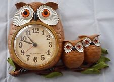 1972 Vintage New Haven Burwood Products Owl Family Wall Clock