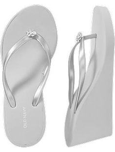 41774fdc6368c3 Silver wedge flip flops so I m comfortable at the reception but tripping on  my dress.