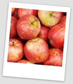 fresh apple drink almás ital Fresh Apples, Fruit, Drinks, Healthy, Food, Drinking, Beverages, Essen, Drink