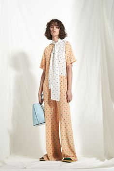 See the complete Joseph Resort 2018 collection.