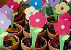 little girl flower birthday party ideas | Lilly's {Precious} Garden 1st Birthday + Inspiration