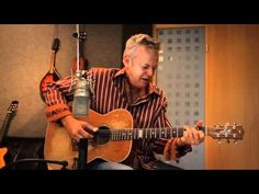 This guy is just amazingly gifted. And in one take no less! Tommy Emmanuel rocks.