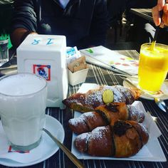 Fruit smoothie, hot milk and cream, marmelade and chocolate croissants. #breakfast #dersut #italy