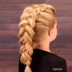 """Pancaked Textured Dutch Braid! I love our Sam Villa Textur Iron!  #twinshair #cutegirlshairstyles #dutchbraid #hairinspiration #hairstylesforgirls…"""