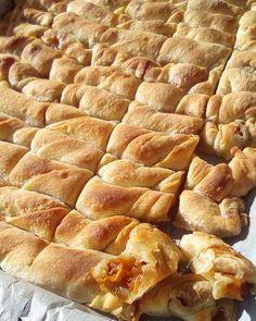 Sweet Buns, Sweet Pie, Greek Recipes, New Recipes, Greek Desserts, Pizza Tarts, Greek Pita, Pastry Art, Mediterranean Recipes