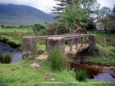 This is one of the most iconic bridges in Ireland. do you recognize it? This is the bridge that crosses the river to Sean and Mary Kate's wee humble cottage in The Quiet Man. Ireland Vacation, Ireland Travel, Irish Images, The Quiet Man, County Mayo, Maureen O'hara, Irish Eyes Are Smiling, England Ireland, John Wayne