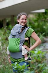 *sigh* Baby carrier... love the green/gray