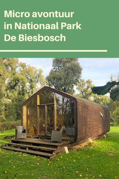 Een avontuur van twee dagen in de Biesbosch, inclusief overnachting in een wikkel house aan het water! #biesbosch #beleefdenationaleparken Worlds Of Fun, Dutch, Calm, Adventure, Group, Board, Water, Plants, House