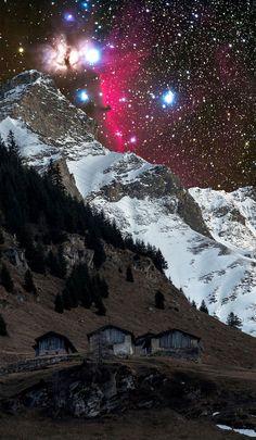 La Galaxie Andromède au-dessus d'un petit Village suisse (6)