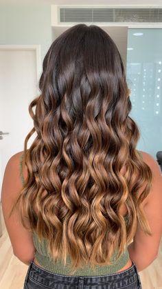 Brunette Hair With Highlights, Brown Hair Balayage, Brown Blonde Hair, Hair Color Balayage, Light Brown Hair, Hair Color For Black Hair, Cabelo Ombre Hair, Light Curls, Hair Shades