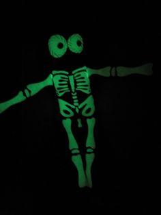 Doudou squelette phosphorescent !!