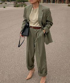 7 Times Filis Pina Taught Us How to Properly Wear Trousers Short Women Fashion, Womens Fashion, Looks Style, My Style, Scandinavian Fashion, Cool Outfits, Fashion Outfits, Minimal Fashion, Street Style Women