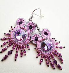 Kolczyki Petunia beadwork Sutasz w świetle przez AtelierMagia
