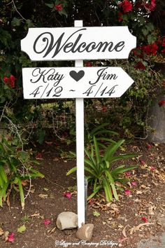 WeDDiNg SiGn - LarGe DiReCTioNaL CuSToM Wedding Sign by lizzieandcompany, etsy