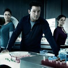 #Helix an outbreak thriller premieres Jan. 10 at 10|9c. #Syfy