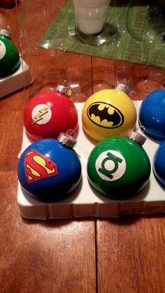 Superhero Christmas bulbs DIY