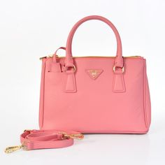 Prada handbags | Chic & Chambray