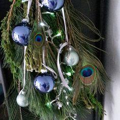 Christmas is coming! 🎄 #christmas #kerst #pauw #peacock #kerstbal #kerstgroen #kersttakken #kerstverlichting #kerstdecoratie #crea #creatief