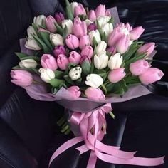 Tulip Bouquet Discover Mothers Day Gift Tips 50 Beautiful Ideas! Mothers Day Gift Tips 50 Beautiful Ideas! Beautiful Bouquet Of Flowers, Beautiful Flower Arrangements, Happy Flowers, Romantic Flowers, Tulips Flowers, Amazing Flowers, Beautiful Roses, Spring Flowers, Floral Arrangements