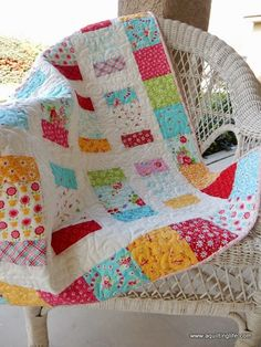 A Quilting Life - a quilt blog: Charm Pack Charm Box Quilt