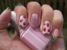 MaD Manis: Summer Strawberries