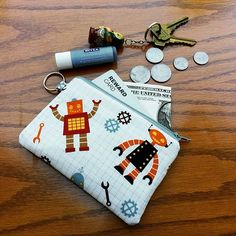 Beep boop beep, this little robot coin purse is too cute 🤖🔩⚙