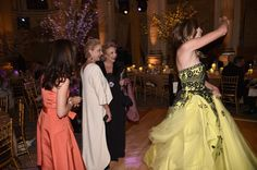Carolina Herrera Photos Photos - Designer Carolina Herrera walks the runway for TRESemme Carolina Herrera fashion show during New York Fashion Week at The Museum of Modern Art on September 11, 2017 in New York City. TRESemme at Carolina Herrera NYFW SS18 - Runway