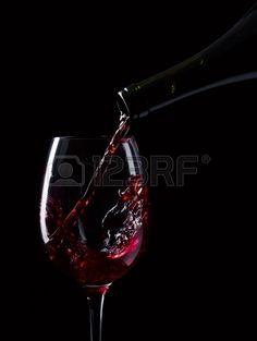 fles en glas met rode wijn op een zwarte achtergrond Bbq Party, Red Wine, Alcoholic Drinks, Christmas, Liquor Drinks, Yule, Navidad, Xmas, Christmas Music