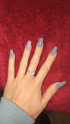 Save Lives : Help Stop Coronavirus Grey Gel Nails, Acrylic Nails Coffin Short, Simple Acrylic Nails, Fall Acrylic Nails, Silver Nails, My Nails, Casual Nails, Stylish Nails, Faux Ongles Gel