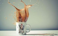 25 Liquid Splashes and Droplets Caught with a Fast Shutter Speed - 3