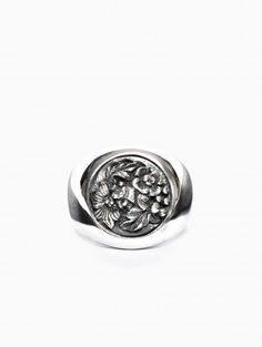 Chevalier ring from the collection Ugo Cacciatori in silver.
