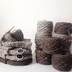 Feels like Wyoming in here today. Wining Oli Beanies in grey and brown. #aportatextiles #Aporta #designer #design #knitting #knit #wyoming #wyomingwool #lucyssheepcamp #buylocal #handmade #natural #nature #mountains #beanies #wool #fashion #mensfashion #womensfashion #shopping #style