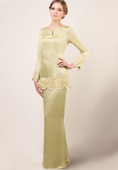 Code : Glamorously enchanting to the last stitch, this stunning baju kurung by Ethnic Chic will have you in awe with its ruffled . Muslim Fashion, Modest Fashion, Hijab Fashion, Fashion Dresses, Long Sleeve Mermaid Dress, Muslimah Wedding Dress, Event Dresses, Couture Dresses, Traditional Outfits