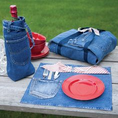 10-20-30 Minutes to Recycle Jeans -- Restyle your worn out jeans into clever and useful accessories. Learn Nancy's 30 Minutes to Sew techniques to create 13 durable projects for your home and closet. Give new life to well-loved denim and sew bags, home organizers, kitchen essentials, and kids projects.