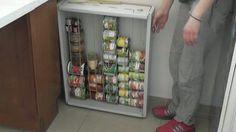 Matchouteam vous montre comment fabriquer vous-même un rangement spécial boites de conserve pour optimiser l'espace dans sa cuisine.