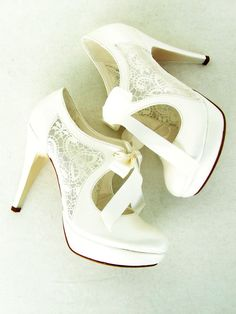 Hey, I found this really awesome Etsy listing at https://www.etsy.com/listing/185175903/lace-bridal-shoes-with-ribbons-in-ivory