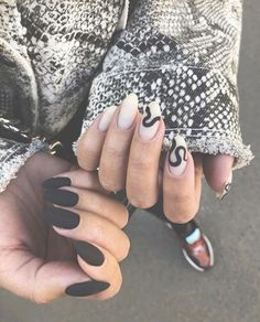 Try some of these designs and give your nails a quick makeover, gallery of unique nail art designs for any season. The best images and creative ideas for your nails. Black Manicure, Nail Manicure, Manicures, Disney Manicure, Manicure Quotes, Nail Polish, Matte Nail Art, Cute Acrylic Nails, Matte Black Nails