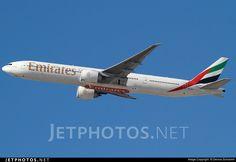 Photo of A6-EBZ Boeing 777-31HER by Dennis Schramm