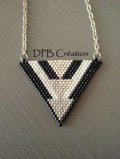 Collier pendentif triangle per